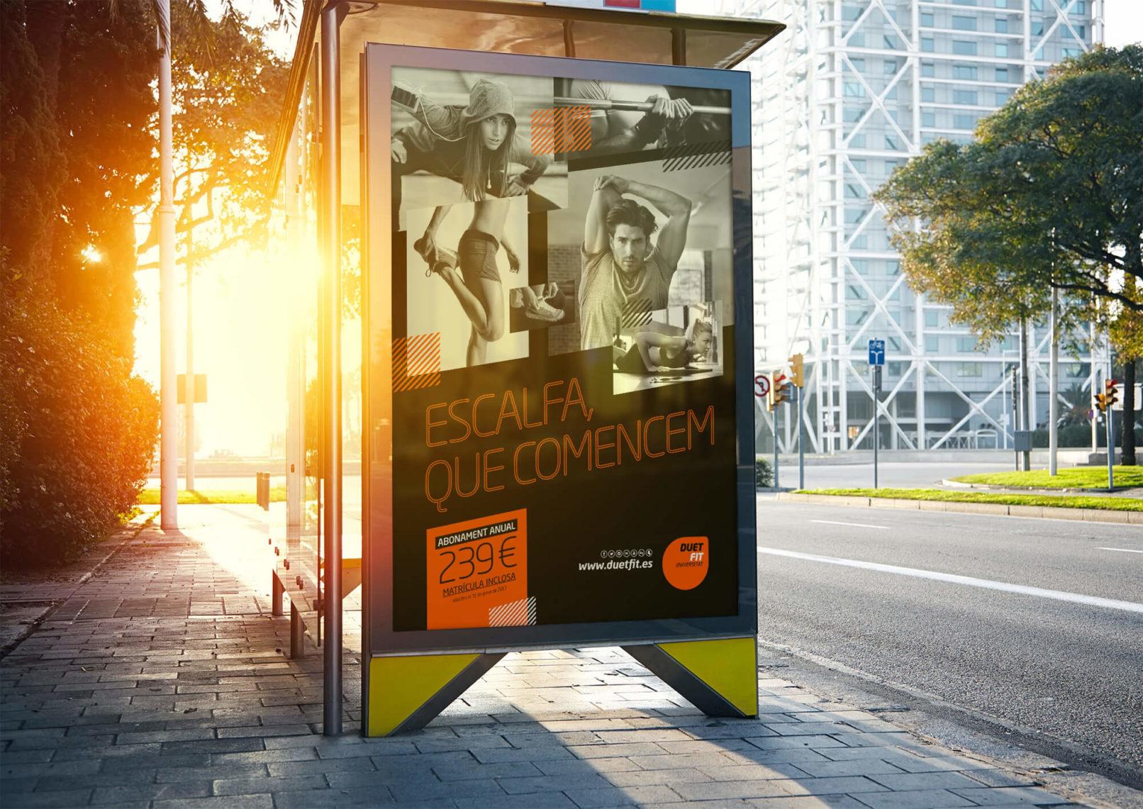 oppi-publicidad-exterior-gimnasio-Duet-Fit-Barcelona